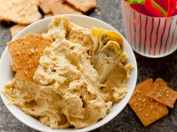 Pepper Jack-Artichoke Hummus