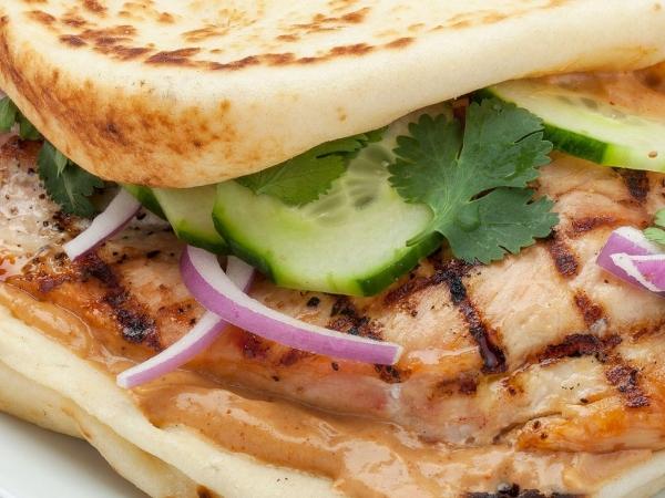 Tandoori Barbecue Grilled Chicken Naanwich